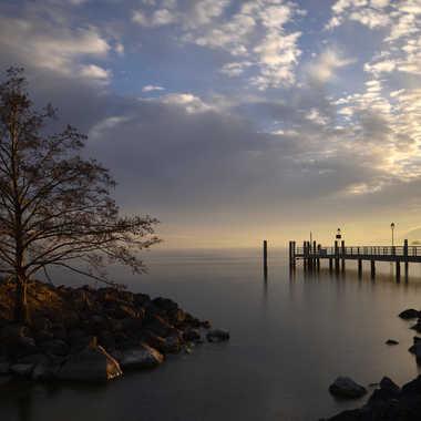 Coucher de soleil sur le débarcadère par Philou73