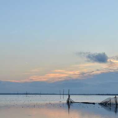 Fin de journée sur le lac par clero