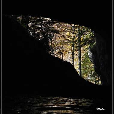 Dans la grotte des Eaux Chaudes par Mylene.Lavie
