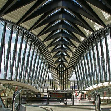 Gare Saint Exupéry par sunrise