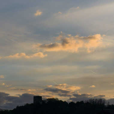 lever de soleil sur la tour  par brj01