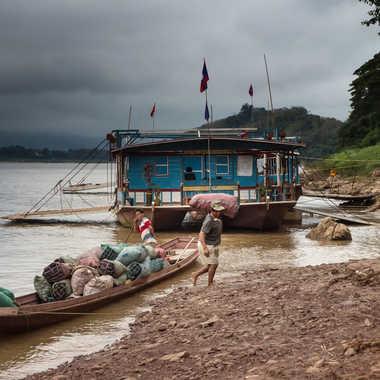 Transport de marchandises au Laos par patrick69220