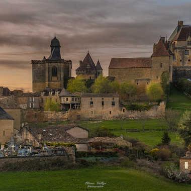 Coucher de Soleil sur le Château de Biron par Olivier Vallejo