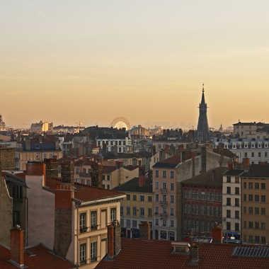 Les toits de Lyon par sunrise