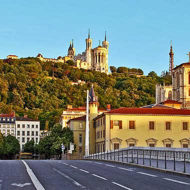 Chathédrale de Lyon par sunrise