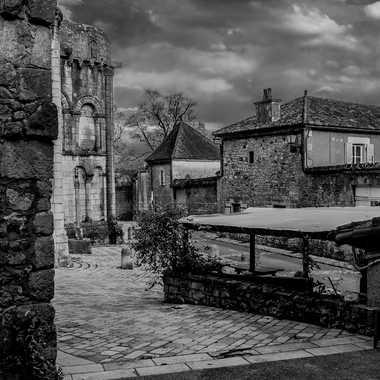 Cité médiévale par Philipounien