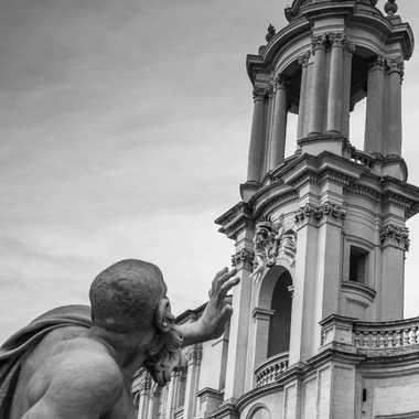 Statue de Le Bernin en rivalité avec l'église de Francesco Borromini par patrick69220