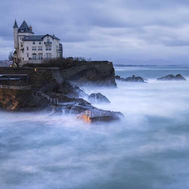 villa belza par Regis Parrens