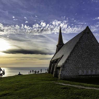 Etrrtat - Notre Dame de la garde par Rolandhino