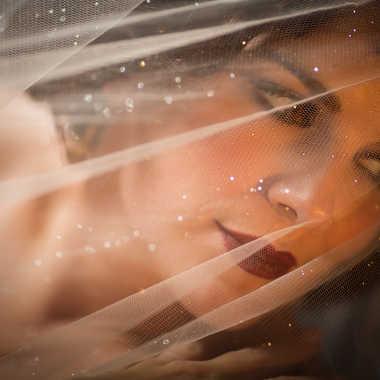 Angie voilée de lumière par eyo19