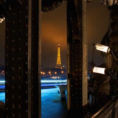 Madame, vu sous un pont par Stéphane Sda