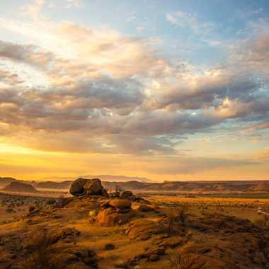 Levé de soleil dans le Damaraland par jeromeh