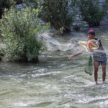 Pêcher dans les rapides par patrick69220