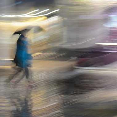 Marcher sous la pluie par mamichat