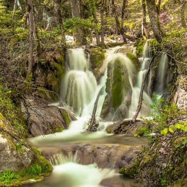 petite cascade  par brj01