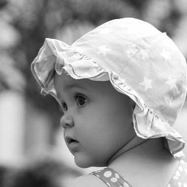 Bébé attentif par mamichat