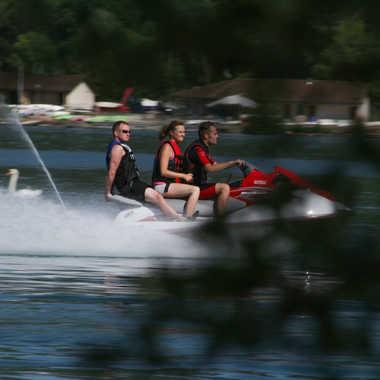 Jet ski avant de disparaître par brj01