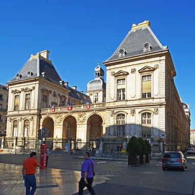 Hôtel de Ville Lyon par sunrise