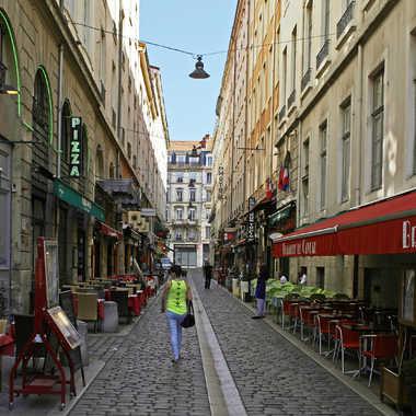 Promenade dans les rues de Lyon par sunrise