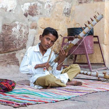 Le petit musicien de Jodhpur par HeleneA