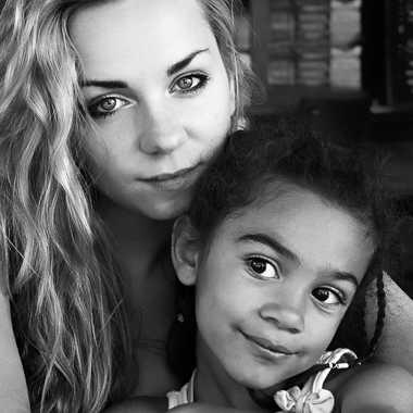 La tante et sa nièce par Isabellefalconnet