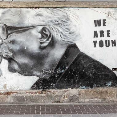 We are youg par grincheu04