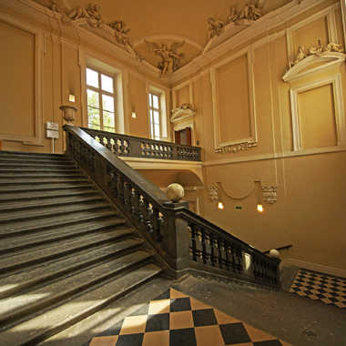 Escalier d'honneur du palais Saint Pierre par sunrise