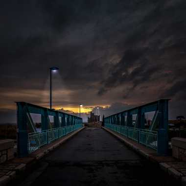 Iron Blue & Three Lights par FredoRoiDuVelo