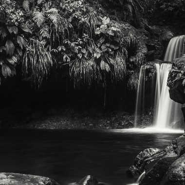 Cascade du paradis moins sombre par patrick69220