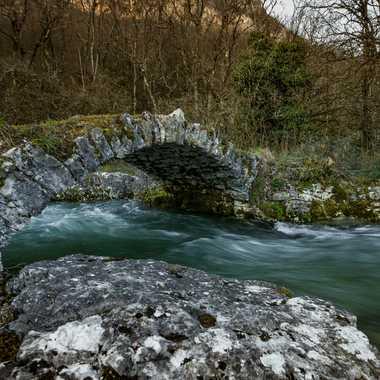 Petit pont de Pierre par brj01