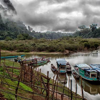 Levée de brume matinal sur la Nam Ou par patrick69220