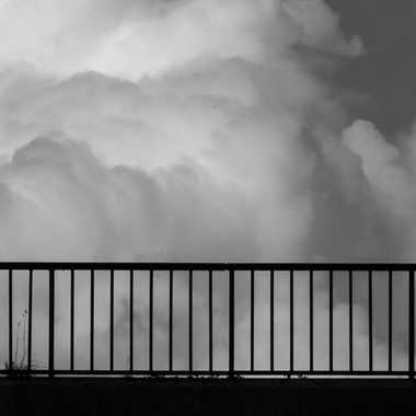 Seul dans les nuages par Philipounien