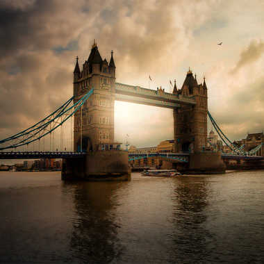 End day on tower bridge... par DENEOS