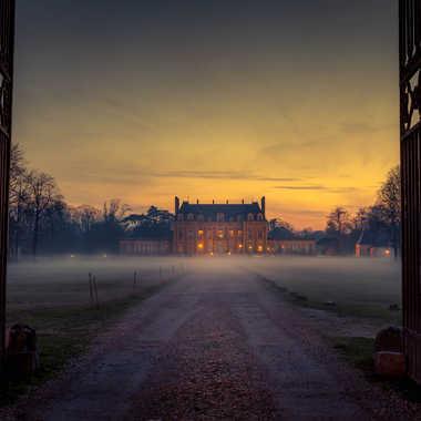 Château dans la brume par lumirique
