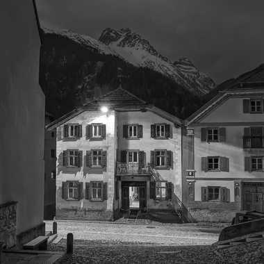 Tombée du jour au pied des Alpes par ChristianF