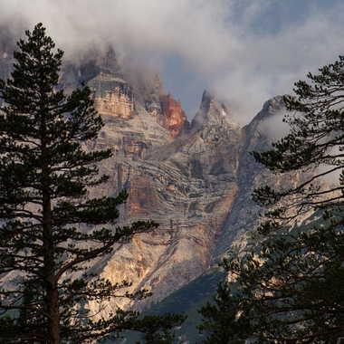 La roche flamboyante par Cairn