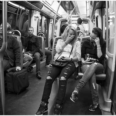 Dans le métro par Isabellefalconnet