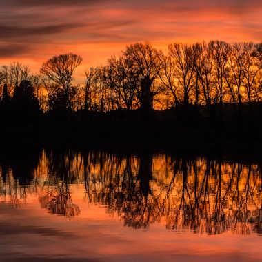 Et le lac prend feu par Dav.sv
