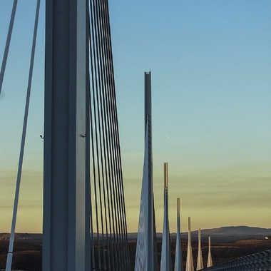 Fin du jour sur le Viaduc par YANKA