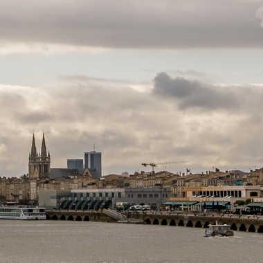 Bordeaux vue du pont Chaban-Delmas par Philipounien